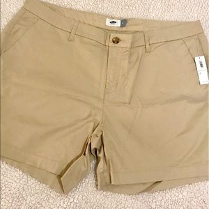 Mid-Rise Twill Everyday Shorts -- 5-in inseam. NWT